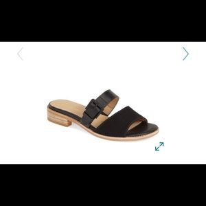 Trotters Billie Buckle Double Band Slide Sandal